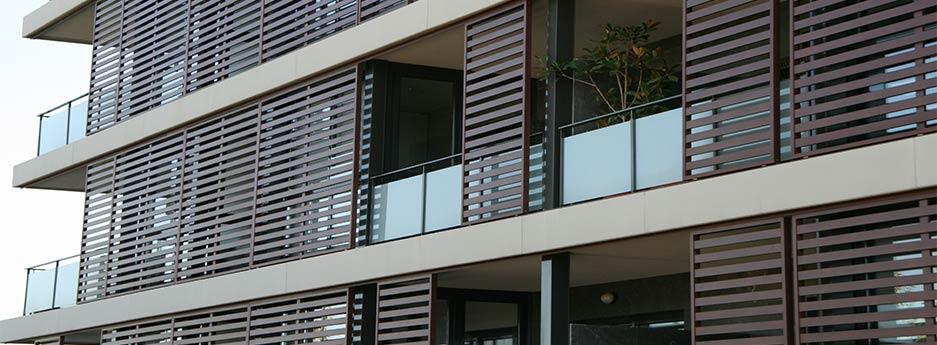 tamiluz volets persienne volets coulissants en aluminium lames fixes volets pliables fixes. Black Bedroom Furniture Sets. Home Design Ideas